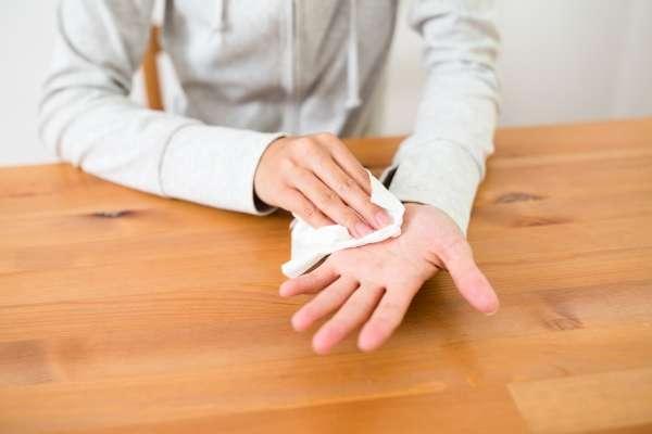 причины потливости рук