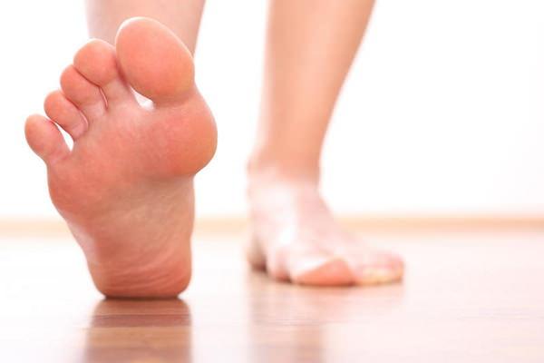 ноги на полу